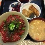 キッチン エム - 鮪漬け丼 730円