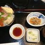 魚亭いいざか - いいざか丼1350円
