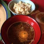 Ichioku - 赤だしお味噌と玄米ご飯