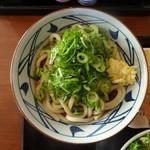 丸亀製麺 - ぶっかけうどん(大盛り)(380円)