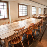 nR table - 団体様用の8名テーブルもご用意