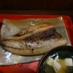 嘉門 - 秋刀魚の干物