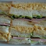マジックキッチン - スクランブルとハムのサンドイッチ♪650円♪