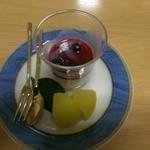 食極楽 - 料理写真:ブランマンジェと林檎蜜煮