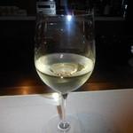 35605894 - 普段は飲まないワインなんぞを洒落てみる