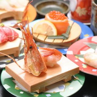 毎朝、市場から直送される日本海の旬の魚で握ったお寿司