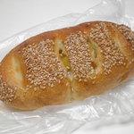 パンの森 - おさつフランス 160円 南フランス、北フランスとくれば おさつフランス。26.7.31