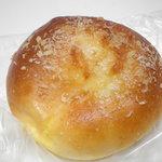 パンの森 - エッグバンズ 120円 焼きカレーパンと思って食べても卵の味しかしません。 26.7.31