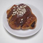 パンの森 - ショコラ 120円 ショコラと聞くとBBと続けたくなりますが違います。26.6.7