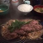 牛庵 - 和牛鉄板すき焼き