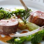 パノラミックレストラン ル・ノルマンディ - 料理写真:肉料理~仔羊のロティ ローズマリーの香り