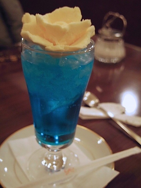 カフェ ヴィオロン - 乙女のクリームソーダ(ブルー)