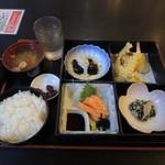和ダイニング 庵 - 料理写真:クーポン利用(入浴料込)990円