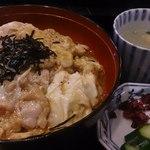 35629834 - 伊達鶏の親子丼950円[税抜き]