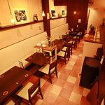 ブンゴ サシミ&グリル - 10名様~の半個室、カウンター席、テーブル席からお選びください♪