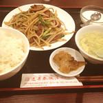 蓬莱春飯店 - にらレバ定食