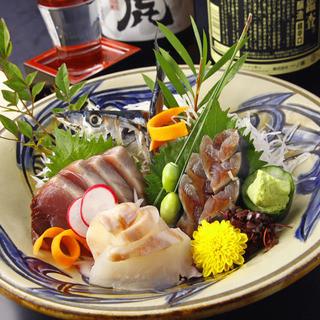 新鮮なお魚や魚介類は様々な調理法でお客様にお届け!!