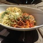 サンキャッチャー - ランチ 白菜とアンチョビのペペロンチーノと、ミートパスタ。プロの味!!