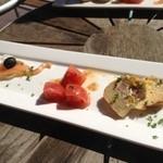 サンキャッチャー - サーモンも、トマトも、パテも、美しく美味しく!!