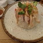 泰式鶏飯食堂 鳥ふじ - タレかけたところ