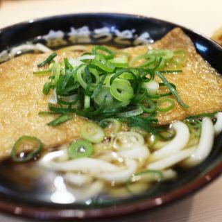 【京橋うどん】昔ながらのホッとする味わいを立ち食いで…気軽に