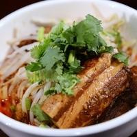 刀削麺荘 唐家 - 『汁なし麻辣刀削麺』トロ肉トッピング