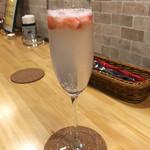 PRIMI - クラッシュ苺のシャンパン!
