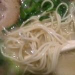 35639124 - 麺達 本店  とんこつらーめん  麺