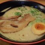 麺屋 ZOE - とんこつラーメン