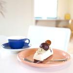 パティシエヤマ - 料理写真:イートインはケーキ代+100円