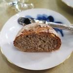 カーヴ・ド・コンマ - 自家製パン