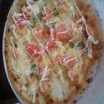 35645573 - エビとトマトのピザ