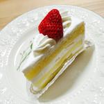 35646789 - ショートケーキ