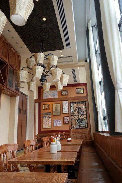 ラ ボデガ 渋谷店 - 明るく雰囲気のイイ店内