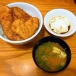 どん㐂 - ミックス丼(並)¥560味噌汁つき(温玉サービス)