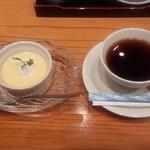 35668626 - デザートとコーヒー