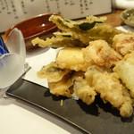 わ食場 はす家 - 2013年11月 蓮根と加賀野菜天ぷら【800円】野菜がうまい!