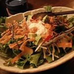 坐・和民 成増北口店 - やさしい野菜を使った和民サラダ490円                             ハーフサイズなら290円