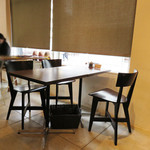 豆香洞コーヒー - テーブル席。