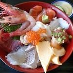 35677009 - 本日のおすすめ海鮮丼(1000円)