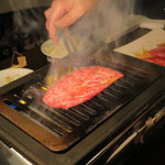 焼肉×バル マルウシミート - リブ芯の贅沢うにロール