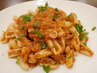 クアドリフォーリオ - 魚介類のトマト煮込みソース、カヴァテッリ