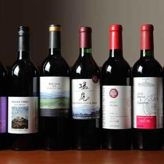 お肉料理に合う、信州産ワインが種類豊富に揃います。
