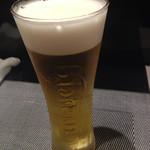 厳選日本酒と四季の肴 おでんや潮 - 生ビールはカールスバーグ。美味いが、なぜカールスバーグ…