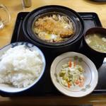 35697050 - 煮カツ鍋定食880円