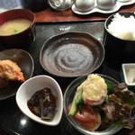 慶楼 - 棒餃子と唐揚定食@750-