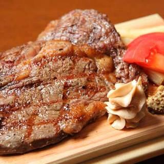 適度な脂肪分を含む、ジューシーで最高の信州牛が堪能できます!