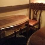 祇園 なん波 - 椅子とテーブル