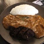 ジャズバーアンドカフェロマン - 煮かつカレー全景