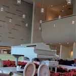 35706083 - 花壇の中には白いグランドピアノ♪